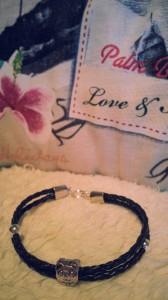 nounours en cuir  dans mes bracelets 20131014_190546-168x300
